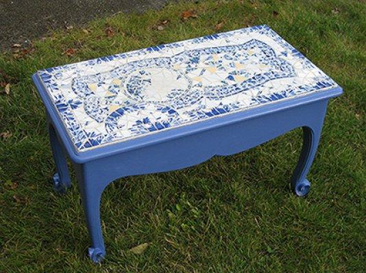 Table bleue en mosaïque, 70X40 cm,  2014